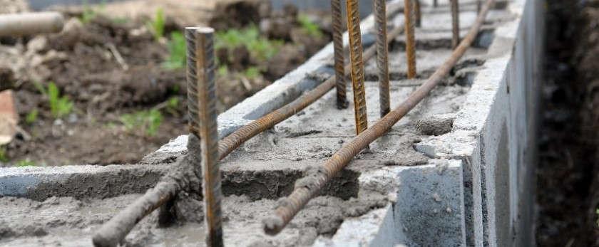 Фундамент для дома из пеноблоков: основные виды и технологии строительства