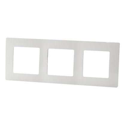 Рамка для розеток и выключателей Etika 3 поста цвет белый