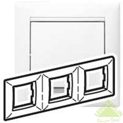 Рамка для розеток и выключателей Valena 3 поста цвет белый